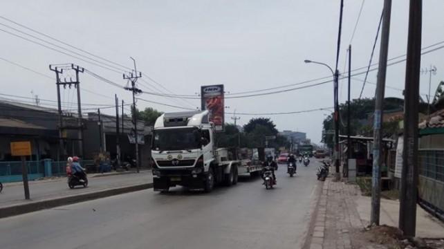 Truk Sumbu Tiga Dilarang Melintas di Tol Jakarta-Cikampek Hingga Jumat Siang