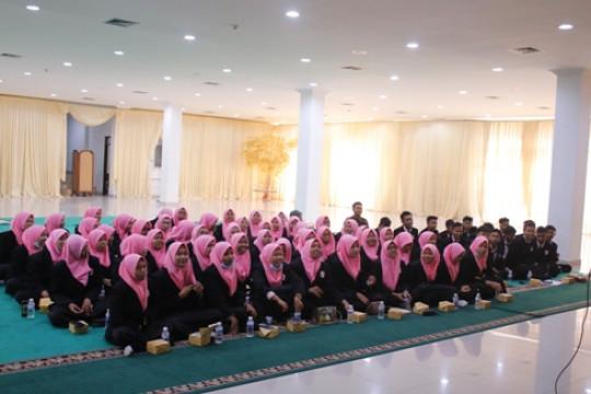 Kunjungan Industri SMK N 1 Brebes ke PT. Kawasan Berikat Nusantara (Persero) Mengenal Dunia Usaha dan Industri Dalam Dunia Kerja di PT. KBN
