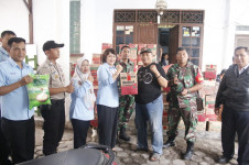 KBN Beri Bantuan Sembako kepada Warga Terdampak Banjir