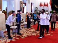 Presiden Jokowi Luncurkan Bantuan Subsidi Upah