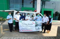 Bantu Perang Melawan Covid-19, KBN Hibahkan Mobil Ambulance untuk RSUP